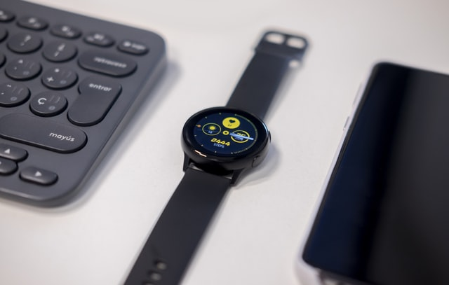 Dlaczego smartwatch nie łączy się z telefonem?
