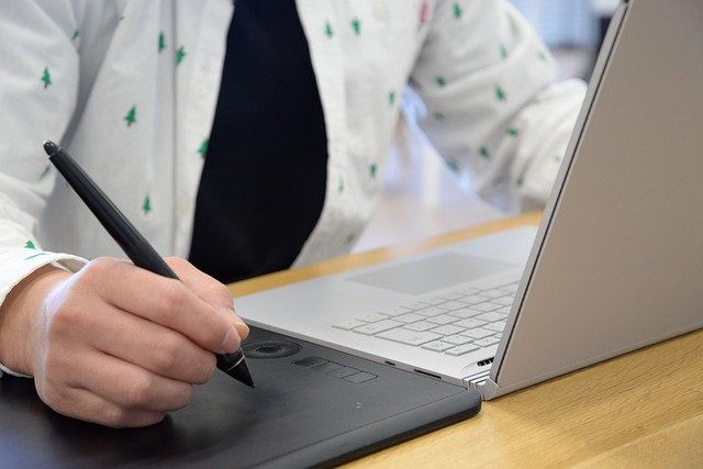 Jak działa tablet graficzny i do czego służy