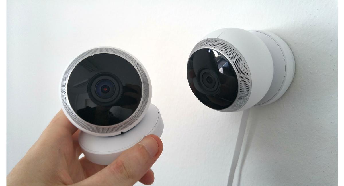Jak znaleźć ukrytą kamerę w domu?