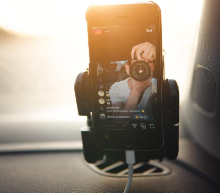 Jaki uchwyt na telefon do samochodu?